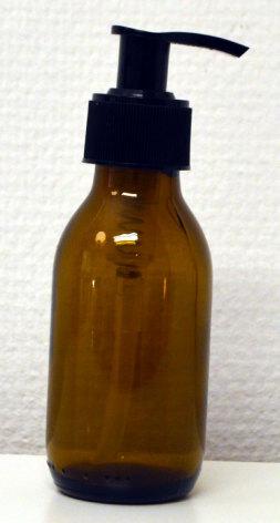 Glasflaska brun 100 ml med pumpinsats